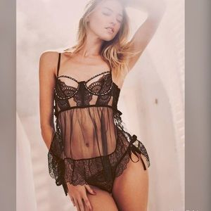 Victoria's Secret designer collection black 32D /S